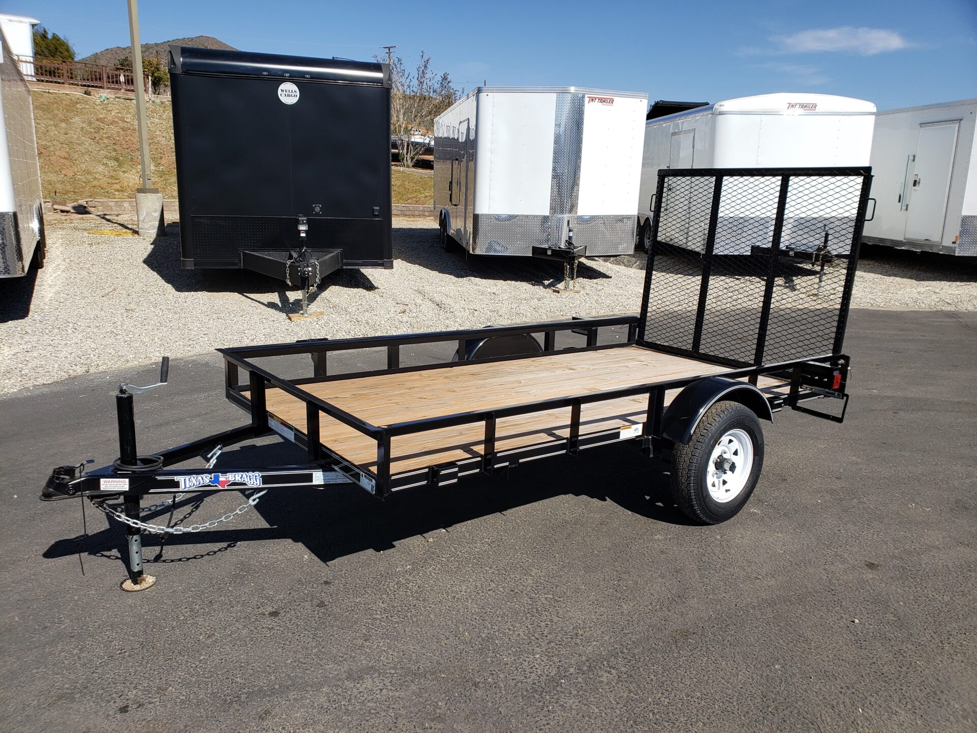 Texas Bragg 5x10LB Ramp - Driver side front 3/4 view