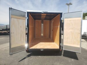 TNT 6x12 V-Nose 7K D/D - View from outside into rear cargo area