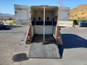 Pre-Owned Stidham 2-Horse - Rear view doors open