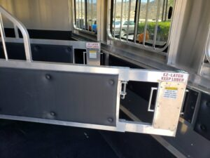 Maverick Lite 3-H DLX - View of EZ Latches & padded dividers
