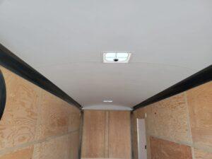 TNT 8.5x24 XPRS V-NoseDLX - View of ceiling liner